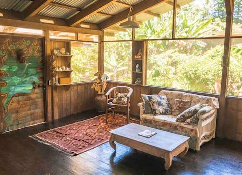 Farmhouse at Hawaiian Retreat