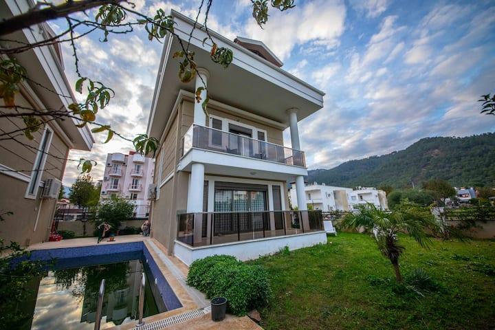 Villa Güneş 1 İçmeler Günlük Haftalık Kiralık