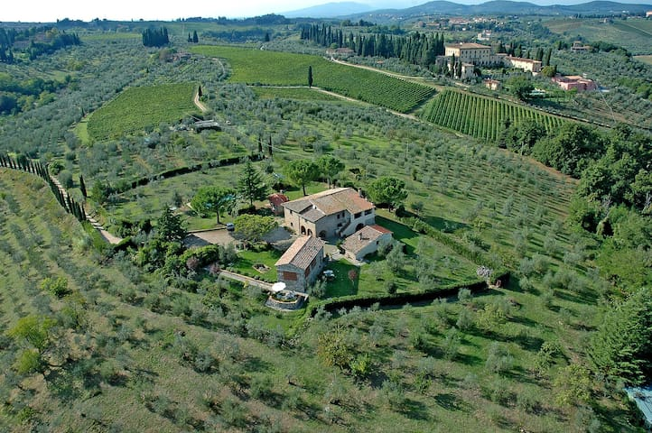 COUNTRY HOUSE NEXT TO FLORENCE IN THE CHIANTI