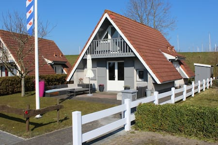 6 pers. Luxe Vakantiewoning Oostmahorn Waddenzee - House