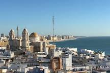 Bonita habitación para descansar y descubrir Cádiz