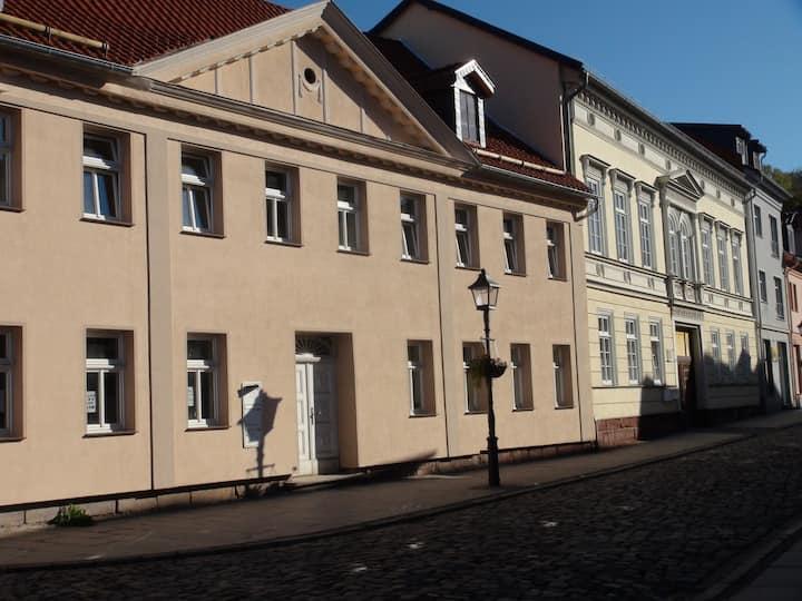 Nordhausen Altstadt mit viel Parkplatz See zub.