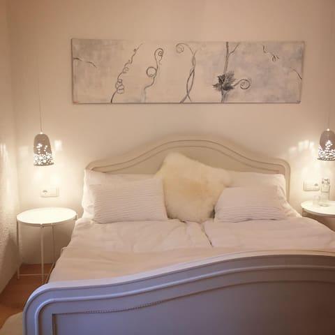 Das weiße Zimmer - Doppelbett 180cm