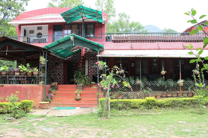 STD Double Room - Masinagudi - Bed & Breakfast