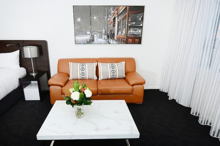 Spacious 1 Bed Apartment in prime CBD location