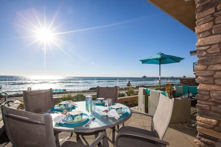 Modern Luxury Beachfront Villa w AC - Oceanside - Casa