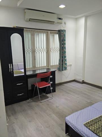 Cozy stay near Hotel Taj Room No.4