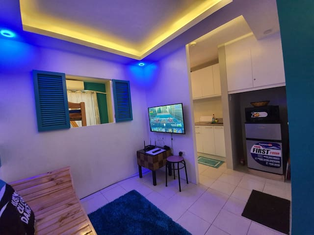 Relaxing Condo beside Enchanted Kingdom Sta Rosa