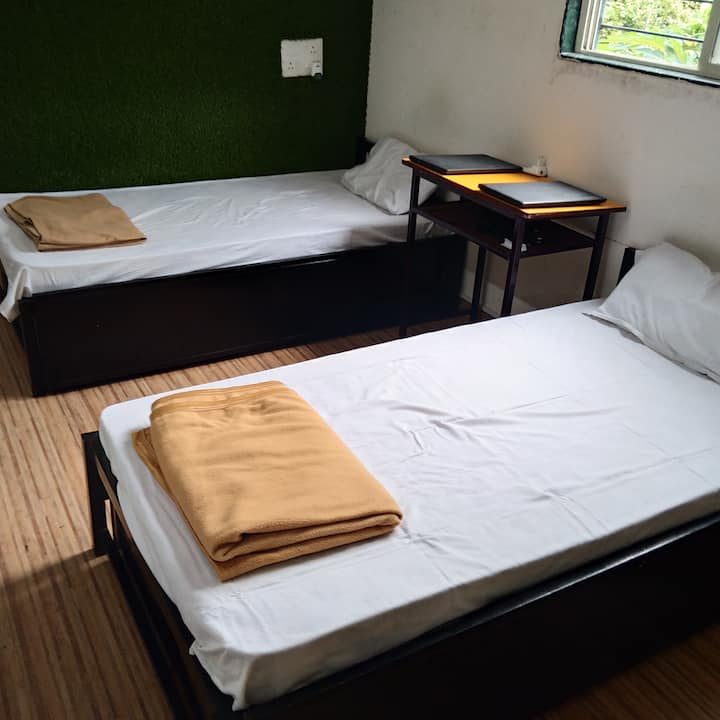 Comfortable rooms in prime location of the city