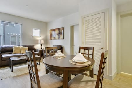 Loft in the Heart of Old Town FC! 2 Bed/2 Bath - Fort Collins - Loft
