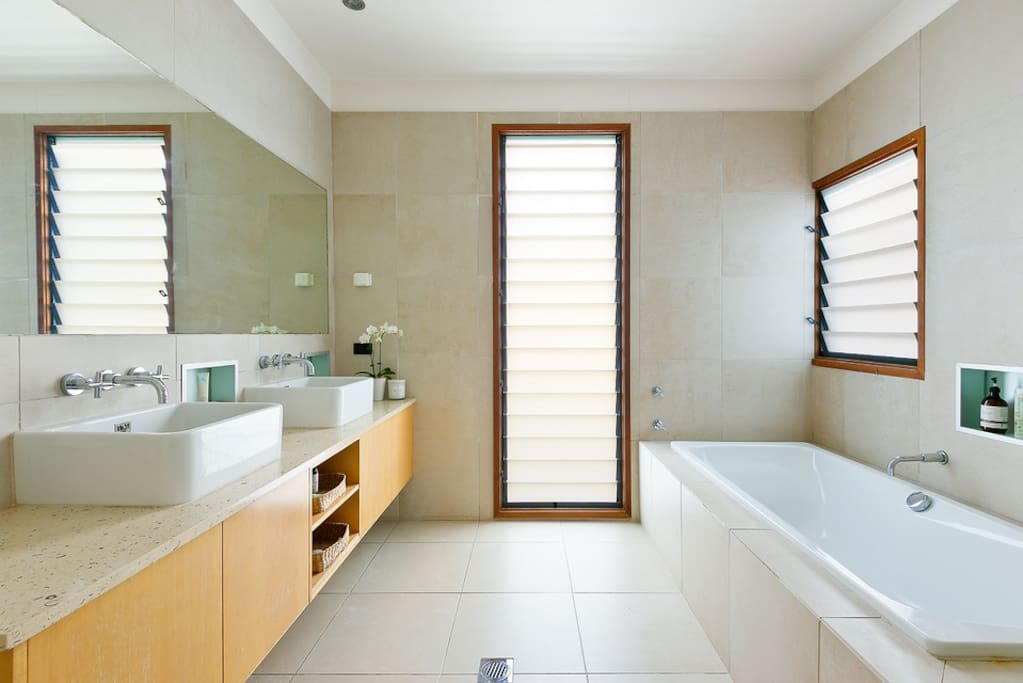 Spacious, light main bathroom