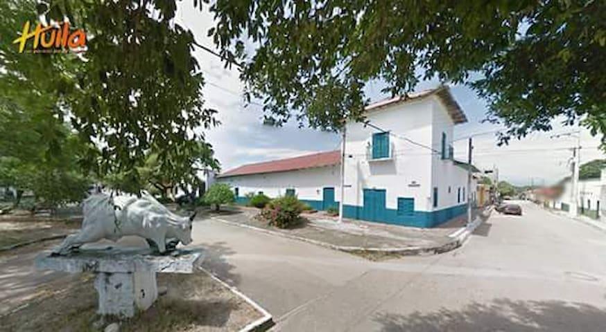 Colonial house close to the Tatacoa Desert - Tello - Casa