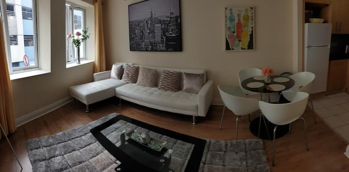 2 bed Cosy apt in historic city center suits 6 max