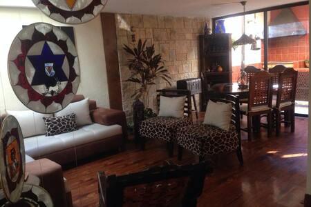 CUMBAYA CASA DE CHOCOLATE HabitacionesConfortables
