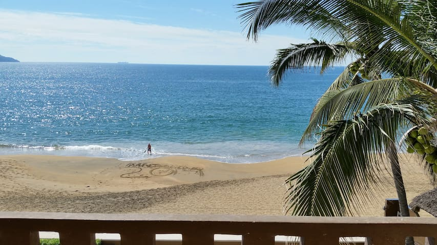 perfect 3 BR beachfront condo on L2
