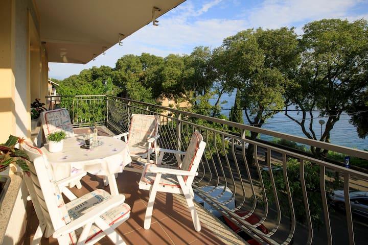 Beachfront apartment Magnon Rijeka