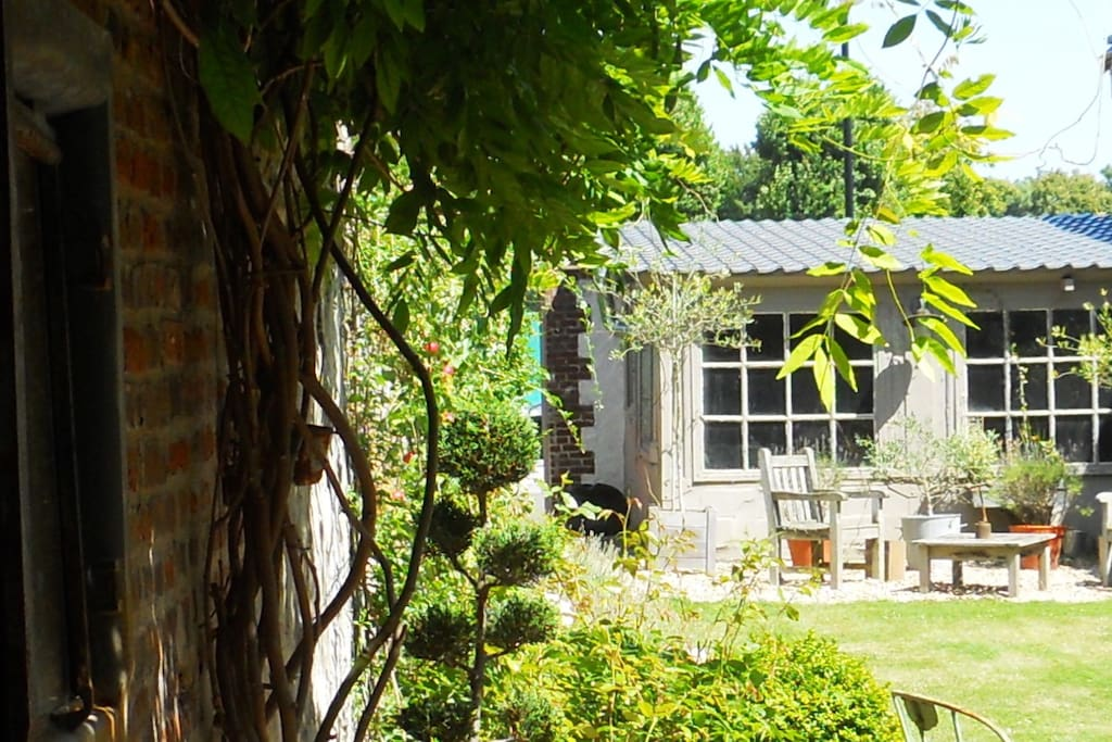 L'atelier au fond du jardin
