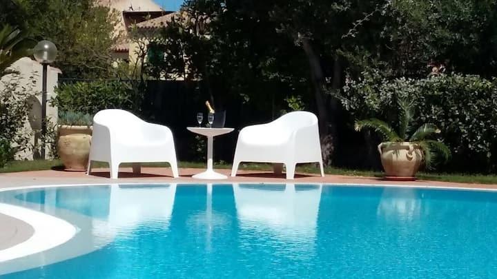 Villa con piscina a Porto San Paolo