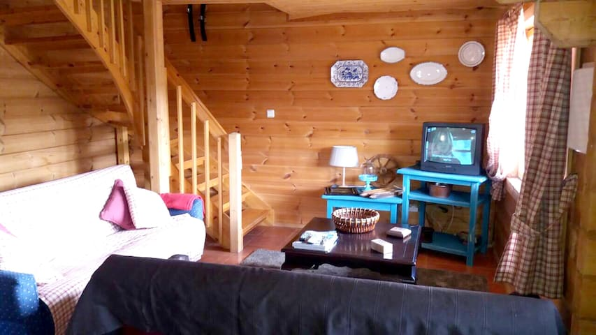 Chalet with 3 bedrooms in Cortes do Meio, with wonderful mountain view, furnished balcony and WiFi - 8 km from the slopes