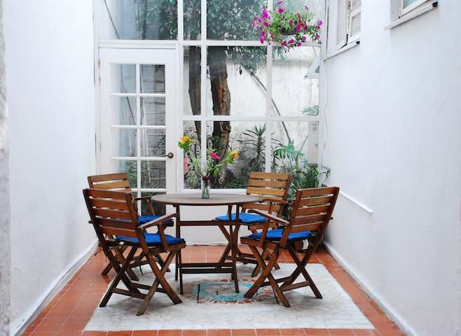 Gran Casa en la Mejor Zona CONDESA CASA TURQUESA n