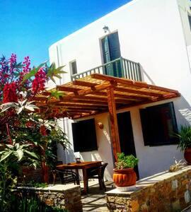 Νataly's Villas - villa 2 - Loutra - 公寓