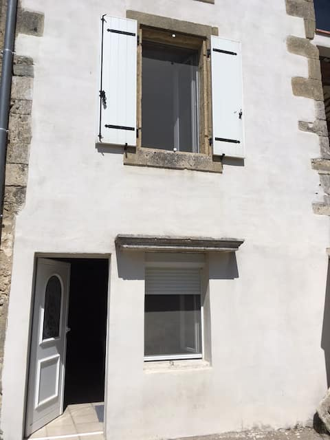 Appartement de village à Théziers
