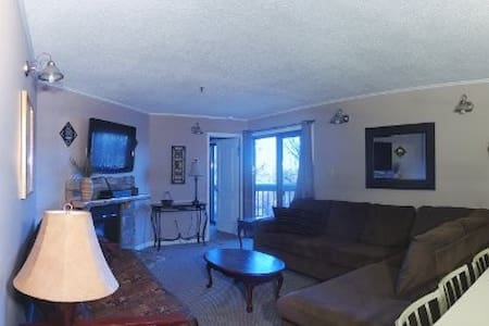 Winterplace Ski in Ski out condo First floor! E104