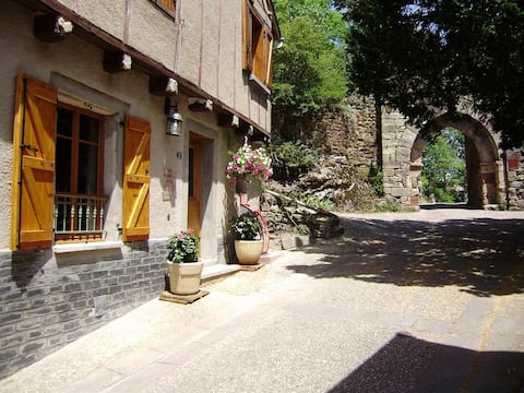 Gîte NAJAC Aveyron 4 pers. Quiet, charming, comfortable