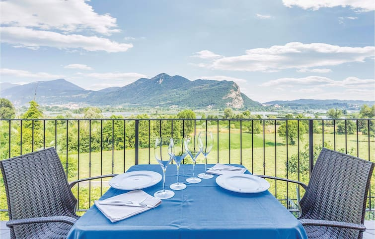 Holiday apartment with 4 bedrooms on 110 m² in Iseo -BS-