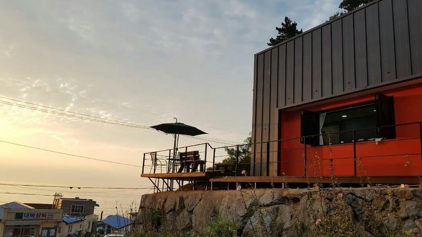 바다가 보이는 언덕 위의 예쁜 집 (오픈 이벤트 중)