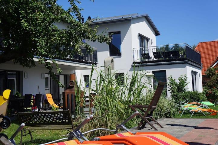 Geschmackvoll eingerichtete Villa mit Meerblick in Malchow