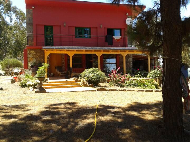 La Casa Roja, en plena naturaleza