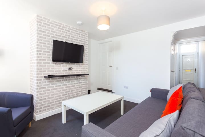 Townhouse @ 76 Clare Street Stoke - Double Room