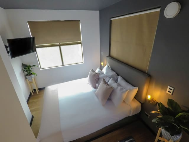 Cool & Private Room in 93 park
