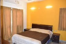 """Californian Nest """"DOWNTOWN"""" Close to MG Road"""