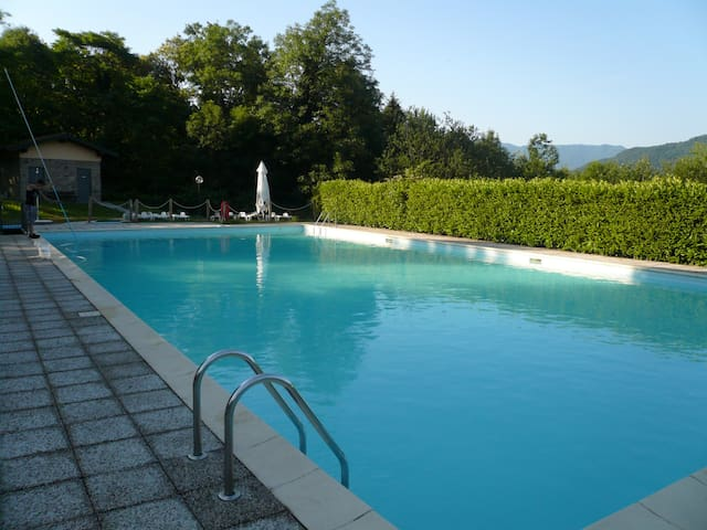Sole apartment with pool in a quiet area