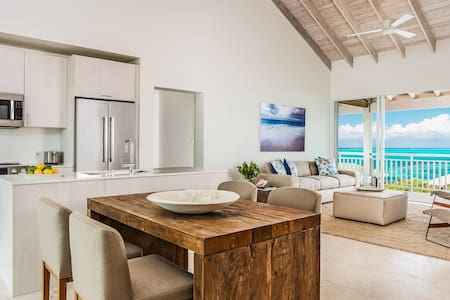 Ridgetop Two Bedroom Ocean View Suite