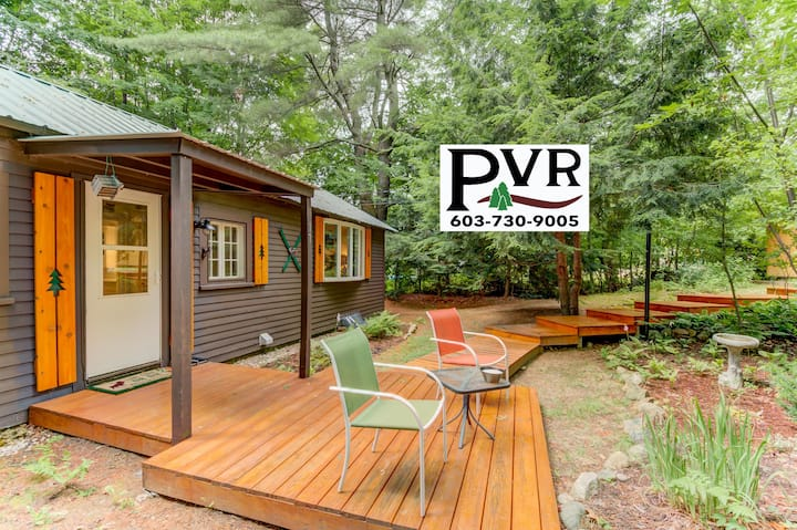 Cozy Cottage w/ Cable, WiFi!, Patio w/ Grill & AC - Walk to N.Conway Village! - 17 Skimobile Rd