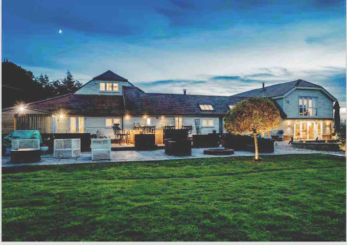 Stunning large barn with pool in private grounds
