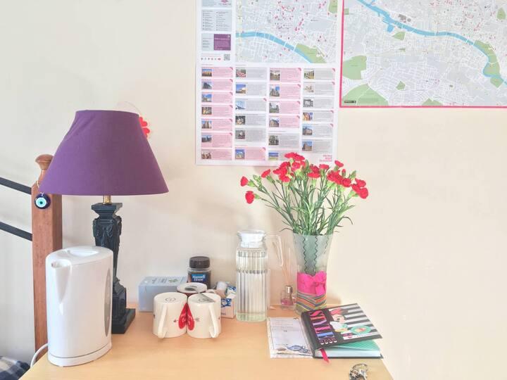 Comfy Private Room in City Centre #UllLoveGlasgow