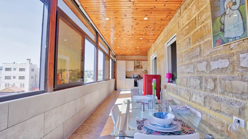 Looking to stay in Abdoun ?