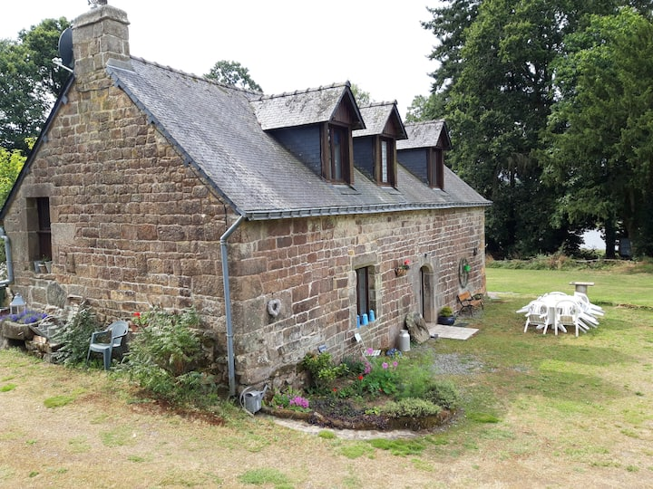 Chestnut Cottage - La Châtaigne Kerhotten Cottages