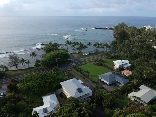 Ocean Front-Best Hilo Swim Lagoons. Sleeps 12.
