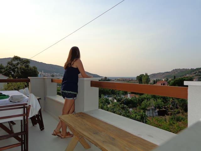 Σάσα Ηλιαδάκη - Chios - Rumah