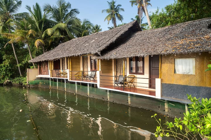 KLResort - Lake View AC - Ernakulam - Bed & Breakfast