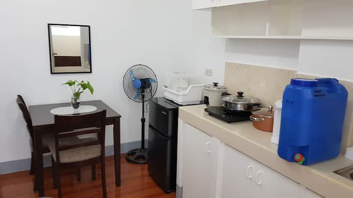 Comfy Studio Apt w/ 25Mbps Wifi-15 min walk to BGC
