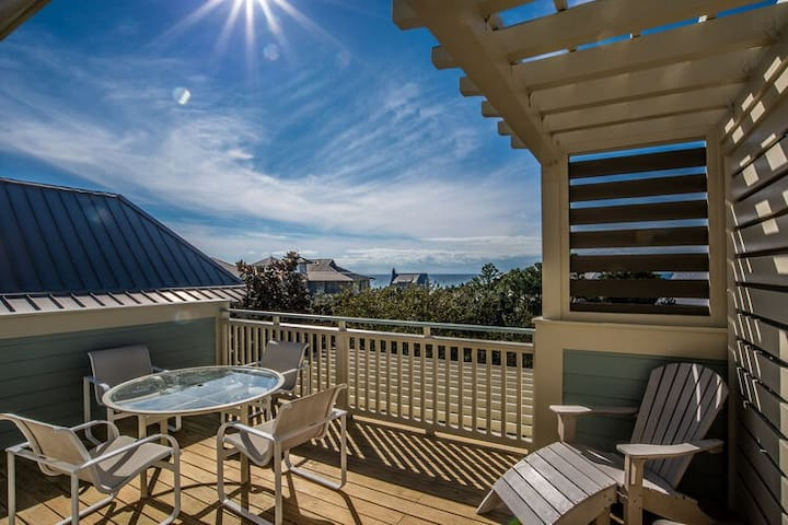 Beach Hat | 30A Cottages | Gulf View