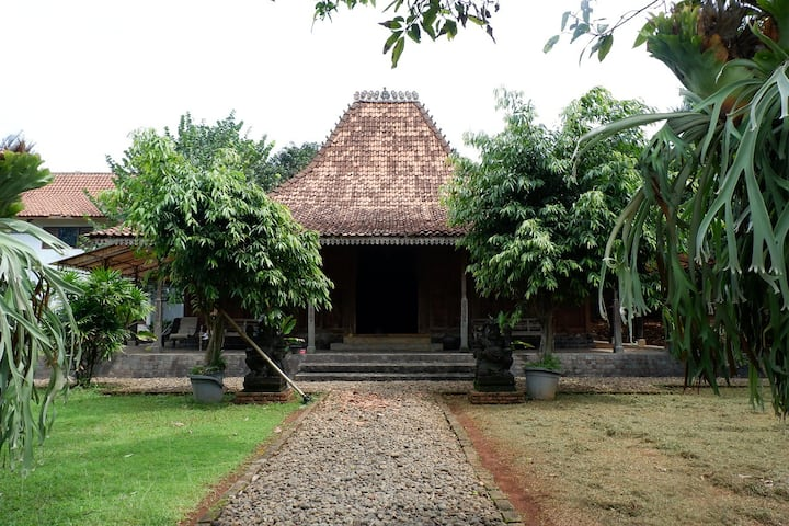 Villa dan Tanah Dijual di blakang rumah SBY Cikeas