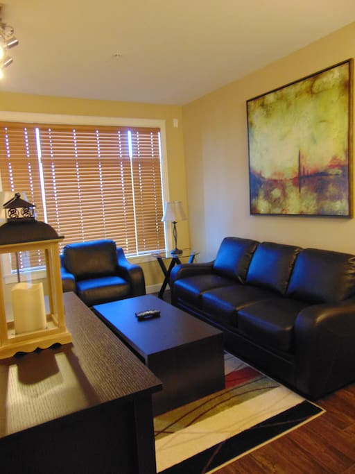 Contemporary Condo with comforts of home!
