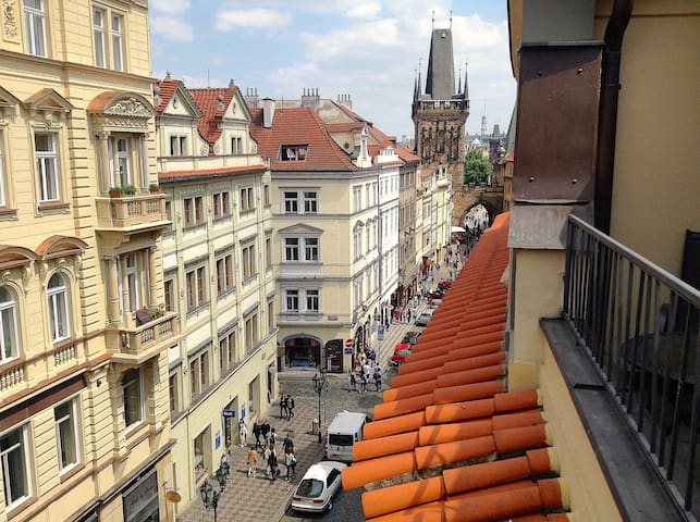 Balcony❦ Luxury 3-Room Apt❦Right by Charles Bridge